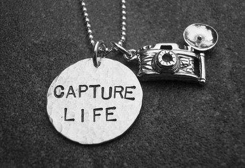 black-and-white-camera-capture-life-photography-Favim.com-102388