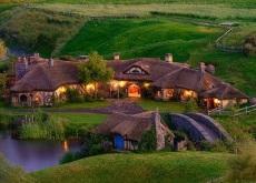 Hobbit-bar-in-New-Zealand